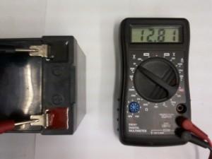Напряжение измеренное мультиметром на новом аккумуляторе