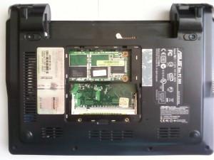 Ноутбук Asus Eee PC 900 без памяти, с открученной крышкой, без аккумулятора