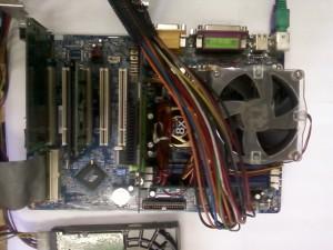 Материнская плата Gigabyte GA-7VA с винчестером, памятью, видеокартой и сетевой картой