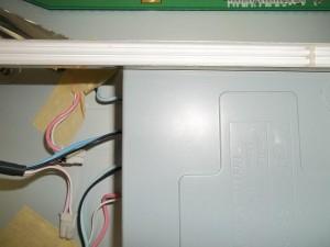 Подкидываем исправные лампы вместо неисправных в мониторе