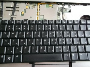 Отсоединение клавиатуры ноутбука HP Pavilion dv6700