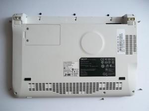 Открученные винтики нетбука Acer Aspire One ZG5