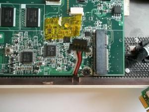 Разъем динамиков в нетбуке Acer Aspire One ZG5