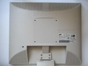 Вид сзади монитора Samsung SyncMaster 710V