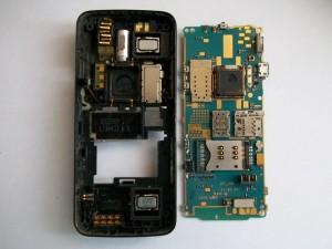 Плата сотового телефона Nokia N82 вытащенная из корпуса