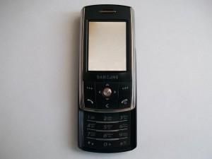 Внешний вид неисправного сотового телефона Samsung SGH-D800