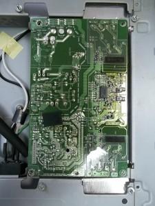 Открученная плата инвертора и блока питания монитора LG FLATRON L1740BQC