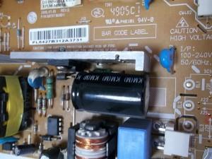Неисправные сетевой конденсатор C101 (68mFx450V) и резистор R109 (0,56 Ом)