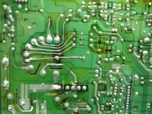 Восстановление дорожек печатного монтажа телевизора цветного изображения Rolsen C1420