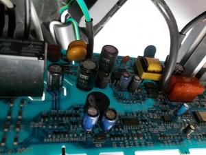 Замена двух конденсаторов C14 и C30 22mFx16V на 33mFx50V