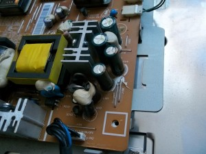 Новые конденсаторы в мониторе Samsung 710N