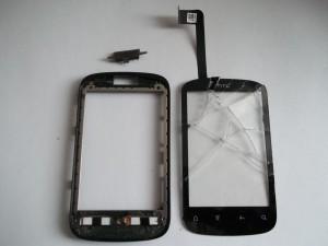 Выламываем старый тачскрин на сотовом телефоне HTC Explorer