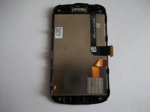 Клеим шлейф тачскрина в сотовом телефоне HTC Explorer