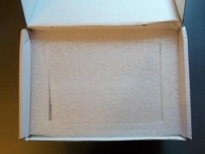 Внутри коробки с GPS навигатором