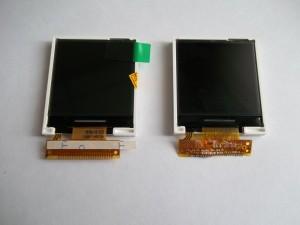 Новый и старый дисплеи для сотового телефона Samsung GT-E1081T
