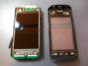 Nokia 305 с отщелкнутым тачскрином