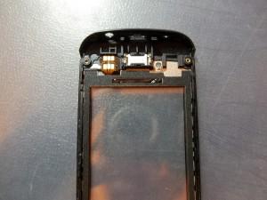 Приклеили контакты тачскрина Nokia 305