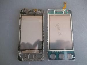 Старый и новый тачскрины сотового телефона LG KC910