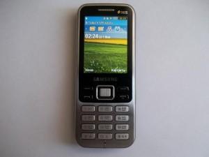 Сотовый телефон Samsung GT-C3322 в рабочем состоянии