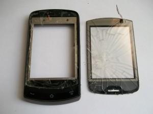 Телефон с выломанным тачскрином
