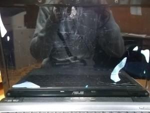 Ноутбук ASUS A52J с разбитой матрицей