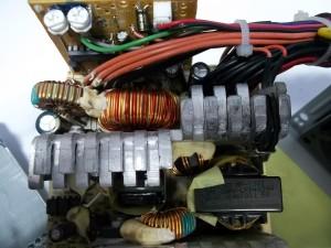 Плата блока питания DELTA 300W с новыми конденсаторами