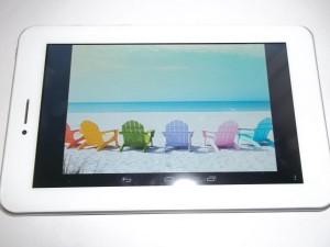Яркая предустановленная картинка на планшете Ainol AX1