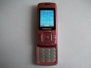 Сотовый телефон Samsung SGH-M610 в рабочем состоянии