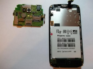 Снятая основная плата сотового телефона Fly IQ4404