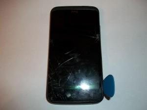 Вскрываем медаитором сотовый телефон HTC One X