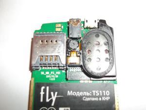 Припаянный разъем сотового телефона Fly TS110
