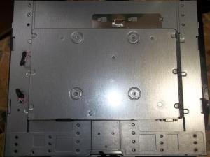 Монитор HP vs17e положенный матрицей вниз