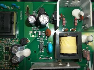 Впаянный конденсатор 1000 мкф x 25 вольт