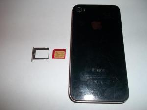 Вытаскиваем SIM карту из iPhone 4