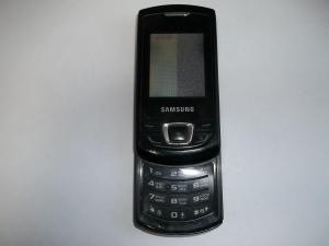 Сломанный телефон Samsung GT-E2550