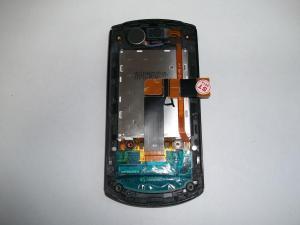 Установленный новый шлейф в сотовом телефоне Samsung GT-E2550
