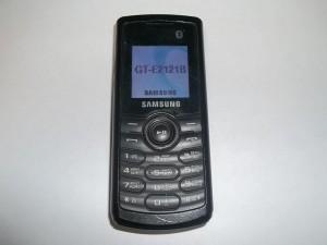 Сотовый телефон Samsung GT-E2121B в исправном состоянии