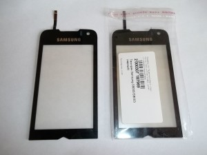 Старый и новый тачскрины сотового телефона Samsung S8000