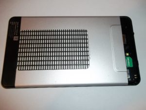 Планшет Oyster T72HM 3G со снятой крышкой сим карты